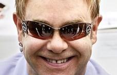 A show-nak mennie kell: Elton John tüdőgyulladása ellenére is folytatja új-zélandi turnéját