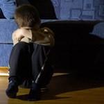 Feketelistát akar a kormány a gyermekek ellen bűncselekményt elkövetőkről
