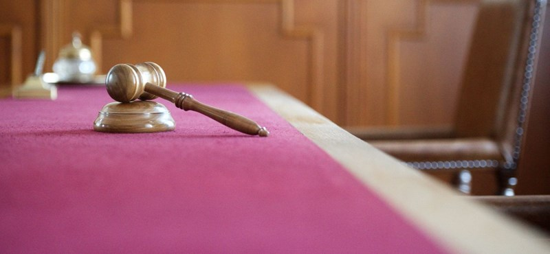 Vádlott lett a Rogánhoz közel álló ügyvéd