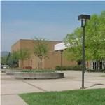 Két iskola, ahol pénzt kapnak a diákok a jó jegyekért