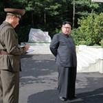 Kim Dzsong Un megszemlélte vadonatúj rakétáját, és nagyon elégedett volt