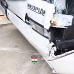 Videó: Ilyen csúnyán összetörtek a reptéren ütköző buszok
