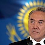 A kazah elnök jópofa próbált lenni nőnap alkalmából