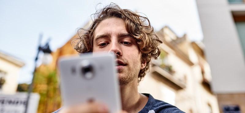 Nem kell még temetni az e-mailt és az sms-t: így mobilozik az Y generáció