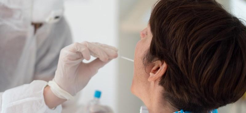 Kiderült, miért mindig keddre ugrik nagyot a koronavírus-fertőzöttek száma