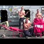 Videó: karácsonyi klipet forgatott egy brit hadihajó legénysége