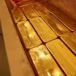Orbán tanácsára az MNB megtízszerezi az aranytartalékot