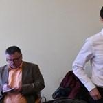 Felfüggesztették Czeglédy Csaba mentelmi jogát