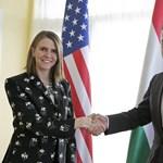 Fotó: Rogán jól megszorongatta az amerikai nagykövet kezét