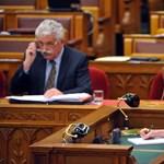 Így dolgoznak világbajnok gyorsíróink a parlamentben - fotógaléria