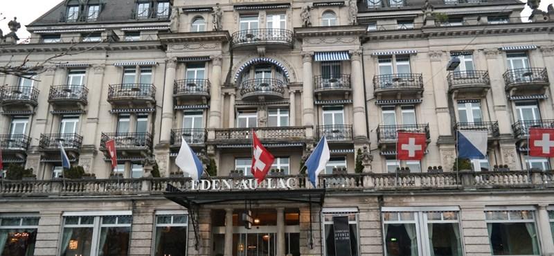 Kiderült, hogy melyik luxusszállodákban szállt meg Lázár János