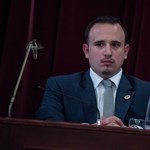 A főpolgármester-helyettes a szilveszteri pezsgő utóhatásának szeretné betudni Áder mondatait