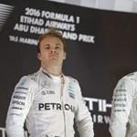 Így gratulált Hamilton a világbajnok Rosbergnek