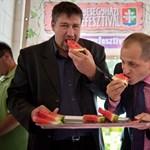 """Üzent a Fidesz Simonkának: """"Aki bűnös, annak bűnhődnie kell"""""""