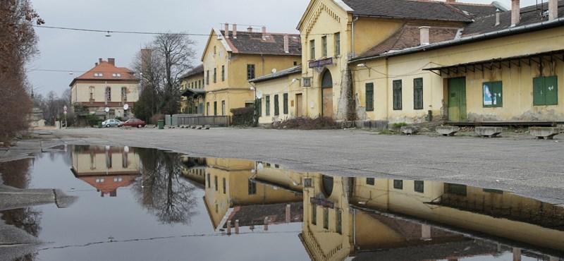 Holokauszt-látványpark? A Sorsok Háza a tűzzel játszik, ha a gyors borzongásra épít