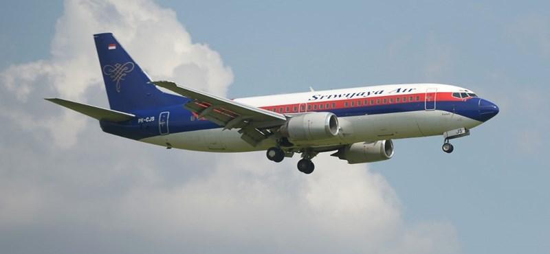 Eltűnt egy indonéziai utasszállító repülő