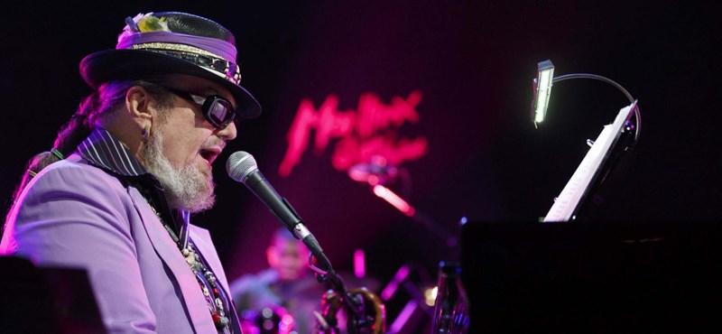 Elhunyt New Orleans legendás zenész-varázslója, Dr. John