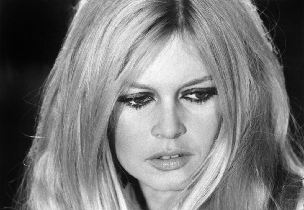 afp.1967.12.03. - Párizs, Franciaország: Brigitte Bardot egy karácsonyi tévéműsor próbáján - nagyítás