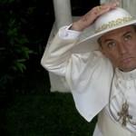 Isten óvja a világot egy ilyen pápától!