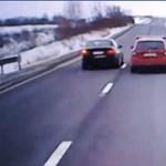 Videó: ilyen előzést se láttunk még közúton