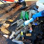 Jeladós palackot engedtek el a Bodrogon, hogy kiderüljön, merre úsznak a hulladékok