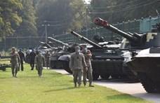Megkezdte a hadgyakorlatozó erői kivonását a Krímből Oroszország