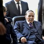 Lemondott a 20 éve hivatalban lévő algériai elnök