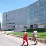 Megint baj van a pécsi tudásközpontban: csőtörés miatt zárva