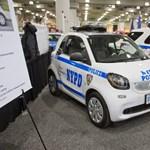Nem akármilyen autót kaptak a rendőrök New Yorkban