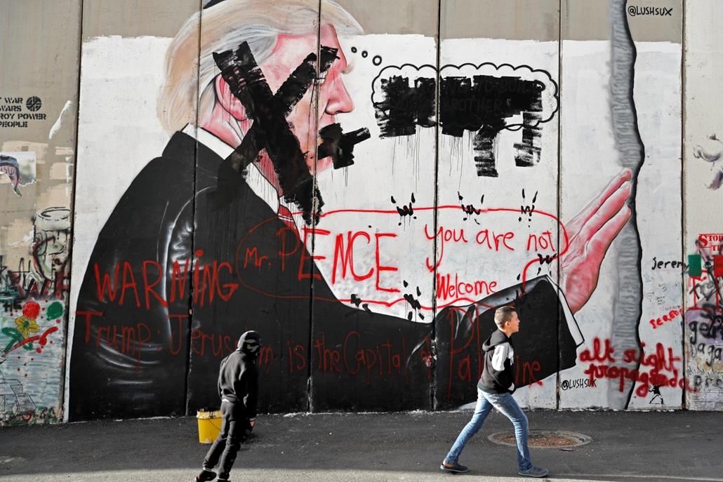 afp.17.12.07. - Trump graffiti lefúlyva Jeruzsálemben
