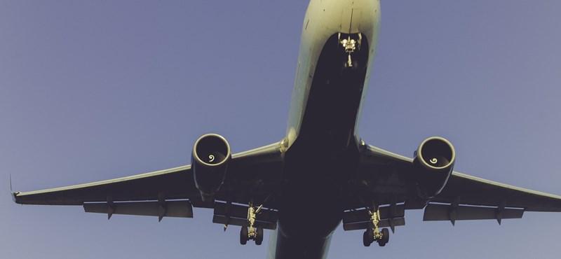 Halott gyereket találtak egy Boeing 777-es futóműaknájában
