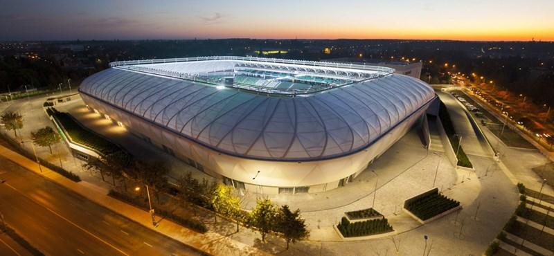 Túl hideg volt, nem volt víz a néhány hónapja átadott stadionban