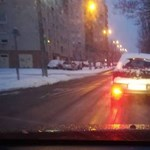 A nap fotója: Havas hátsó lámpa mellett ködlámpával vakít a csepeli autós