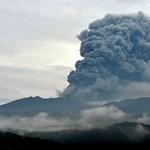 Kitört James Bond vulkánja