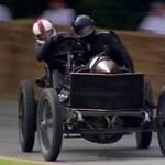 Miért ne lehetne egy 110 éves autóval keresztbe autózni? – videó
