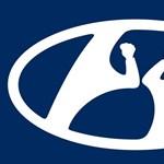 Újabb autógyártó mutatott be ideiglenes logót a koronavírus kapcsán