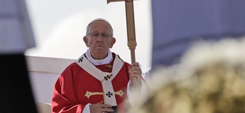 Ferenc pápa: A szex nem tabu, hanem isten egyik ajándéka