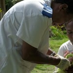 Először a világon: drón szállított oltóanyagot egy kisbabának