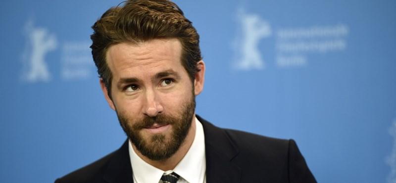 Ryan Reynolds találkozott a Mikulással, aki azt mondta neki, a pokolra jut