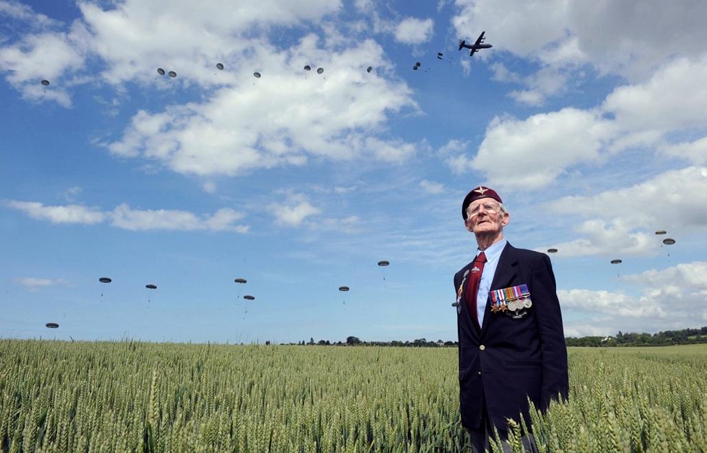 afp.14.06.05. - Ranville, Franciaország: a brit veterán, Frederick Glover a D-nap évfordulóján - 7képei nagyítás, D-nap, normandiai partraszállás, évképei