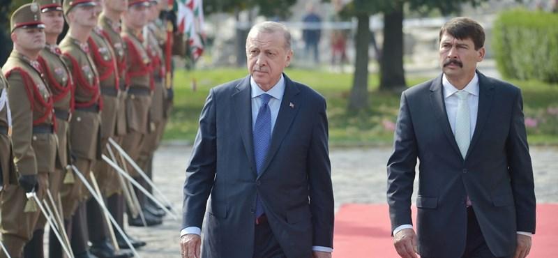Az MTA szellemét védve, keményen nekiment az Erdogan-látogatásnak egy filozófus