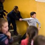 Sokkoló fegyelmezési módszert használt a tanárnő - kirúgták