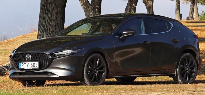 Benzint iszik és dízelt prédikál: teszten a Mazda új csodamotorja