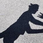 Konzultációt indít a nők elleni erőszakról az Európai Bizottság