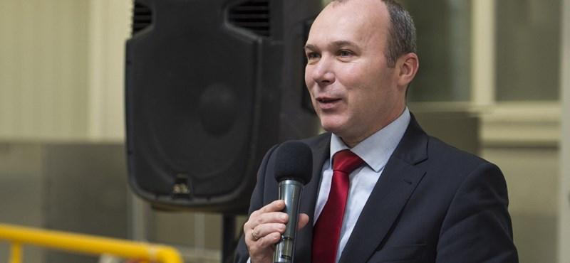 Veszprém fideszes polgármestere tízezret fizet majd Orbánnak