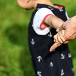 Soron kívül születhetnek ítéletek az elvált szülők láthatási ügyeiben