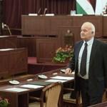 Bukott a Fidesz terve, nem mozdítják el a költekezést megvétózó polgármestert
