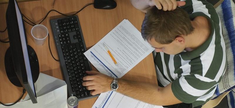 Még több ingyenes képzés indul, 21 felsőoktatási intézményben lehet jelentkezni