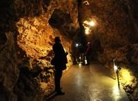 Barlangi túrázót mentettek ki a Pilisben