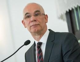 Püspök lehet Balog Zoltán volt Emmi-miniszterből